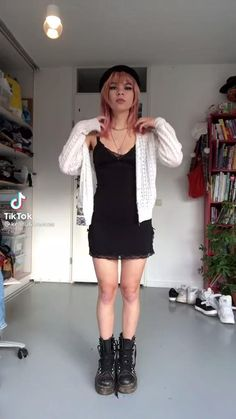 Pretty Outfits, Cute Outfits, Fashion Videos, Piece Of Clothing, Alternative Fashion, Aesthetic Clothes, New Outfits, Street Wear, Fashion Boards