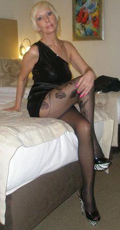 Older Women Nylon Pics 105