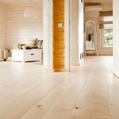 Bolefloor curved-length flooring meets the true definition of unique: each floorboard is as individual as the tree it came from. No two bolefloors are alike.