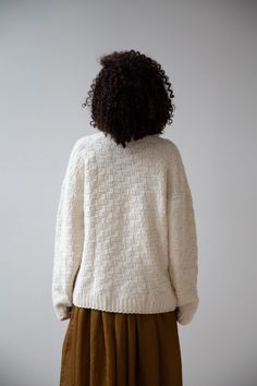 Work Today, Running Away, Knitted Fabric, Hand Knitting, Winter Hats, Bicycle, Elegant, Sweaters, How To Wear