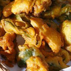 Egy finom Pakora (indiai bundás zöldség) ebédre vagy vacsorára? Pakora (indiai bundás zöldség) Receptek a Mindmegette.hu Recept gyűjteményében! Chicken Wings, Vegan Recipes, Vegan Food, Food And Drink, Meat, Vegetables, Dinner Ideas, Veggie Food, Vegane Rezepte