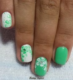Nail art with Greenery is Pantone's Colour - Reny styles