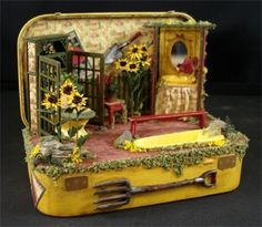 Star Feather Farm: Sunny Sunflowers in an Altoid Tin