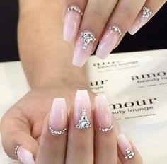 THESE WOULD be pretty for wedding nail art! |decorado de unas | bridal nail art #JeweledNails