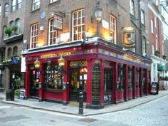 Sheperd's Tavern, a 400 year old pub in London's Shepherd's Market  (London Walk 4 - 2)