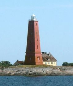 Lighthouses of the Åland Islands Dark Places, Places To Go, Nc Lighthouses, Moomin Valley, Places Worth Visiting, The Way Home, Light House, Baltic Sea, Archipelago