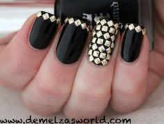 oh mah goshhh..needa figure out how to do these nails!!!<3 #grunge #nails #mini #studs #gold #cute #love