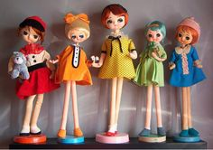 Japanese pose dolls over at ModernKiddo. Very cute!