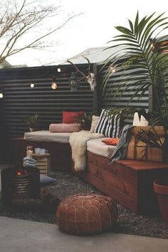 Outdoor patio diy budget backyard privacy screens New Ideas Backyard Privacy, Fire Pit Backyard, Backyard Patio, Backyard Ideas, Fence Ideas, Patio Ideas, Backyard Landscaping, Landscaping Ideas, Modern Backyard