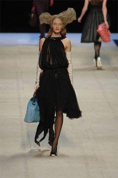 Louis Vuitton Spring 2008 Ready-to-Wear Fashion Show - Stephanie Seymour