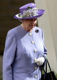 Queen Elizabeth, April 4, 2004 in Rachel Trevor Morgan | The Royal Hats Blog