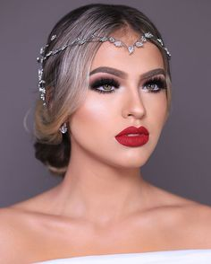Gorgeous Makeup: Tips and Tricks With Eye Makeup and Eyeshadow – Makeup Design Ideas Bridal Makeup Red Lips, Red Lip Makeup, Bridal Makeup Looks, Bride Makeup, Glam Makeup, Eyeshadow Makeup, Wedding Makeup, Beauty Makeup, Eye Makeup Designs