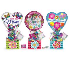 This crate would be amazing for your mother to wake up to on Mother's Day! Birthday Candy, Diy Birthday, Birthday Presents, Mothers Day Baskets, Mother's Day Gift Baskets, Birthday Bouquet, Balloon Centerpieces, Chocolate Bouquet, Happy Mom