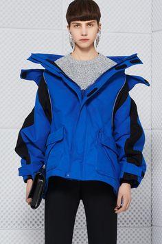 balenciaga-swing-jackets-04-799x1200.jpg (799×1200)