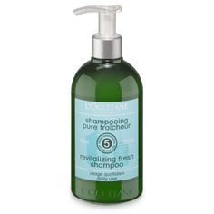 This daily silicone-free shampoo helps hair stay clean longer by revitalizing it for a long-lasting refreshing sensation. Its formula combines 5 esse