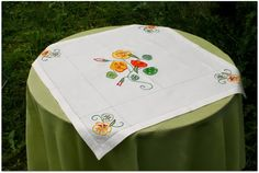 Varjoinen pöytä Embroidery, Flowers, Needlepoint, Royal Icing Flowers, Flower, Florals, Floral, Crewel Embroidery, Embroidery Stitches