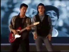 HIMNO OFICIAL DEL MUNDIAL ITALIA 90 (videoclip) 24 AÑOS. VAMOS MESSI.............