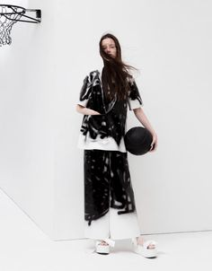 See the complete Melitta Baumeister Spring 2016 Ready-to-Wear collection.
