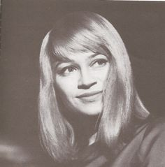 Mary Travers, born in Louisville, was part of the famous folk trio Peter,Paul and Mary. Mary Travers, Peter Paul And Mary, My Old Kentucky Home, Music Composers, Music Theory, Folk Music, Famous People, Musicians, Legends