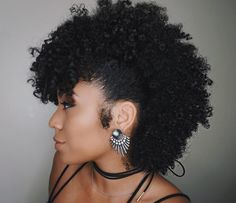 Hair Styles for Women That Enhance Their Beauty – HerHairdos Pelo Natural, Natural Hair Tips, Natural Hair Inspiration, Natural Hair Journey, Natural Curls, Natural Hair Styles, Mohawk On Natural Hair, Natural Honey, Date Night Hair