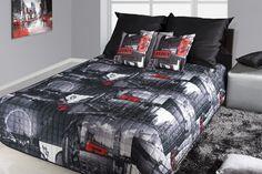 Prehoz na posteľ čierno bielej farby s motívom Londýn Comforters, Blanket, Furniture, Home Decor, Creature Comforts, Homemade Home Decor, Blankets, Home Furnishings, Carpet