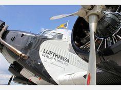 Das Legendäre Flugzeug des Typs JU 52 am Flughafen Kassel-Calden
