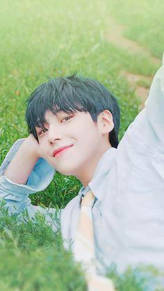 Pretty Boys, Cute Boys, Fandom Kpop, All About Kpop, Handsome Faces, Kpop Boy, My Man, Pretty Pictures, Baekhyun