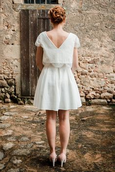 0487f24f20aa Tina   Jennifer, ensemble court retro pour mariée. Croc top en dentelle et  jupe.
