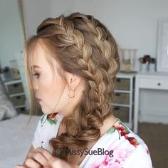 Easy Braided Hair Tutorials! #hairtutorials #hairvideos #hairstyles #hairstyleideas #haircut #haircolor #braidedhairstyles #Braidedponytail
