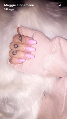 Ariana Grande Tattoo, Cute Tattoos, Hand Tattoos, Tatoos, Maggie Lindemann, Piercing, Tatting, Tattoo Ideas, Small Tattoos
