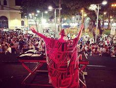 Uma das melhores festas da noite paulistana tomará as ruas do centro neste sábado. Quer saber o melhor? É Catraca Livre.