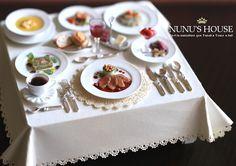 Nunu's House restaurant table close up
