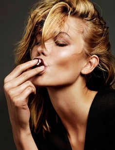 Zo wist Karlie Kloss haar suikerverslaving te verslaan - Vogue Nederland