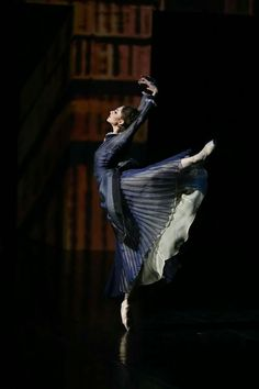 "<<Oksana Skorik (Mariinsky Ballet) as Anna Karenina in ""Anna Karenina"">>"