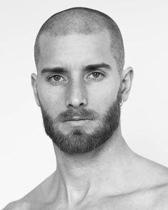 Medium Beard Styles, Beard Styles For Men, Hair And Beard Styles, Short Hair Styles, Barber Haircuts, Cool Haircuts, Haircuts For Men, Short Hair Long Beard, Bald Men Style