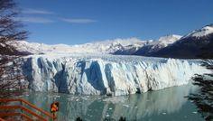 Passarelas: as passarelas do Glaciar Perito Moreno possuem diversos ângulos de observação do glaciar e é um passeio básico para ver melhor sua a grandeza.  Passeio de Catamarã: nesta opção você entra a bordo de um catamarã para se aproximar um pouco mais da face sul do Glaciar Perito Moreno e tem duração de aproximadamente uma hora.  Mini Trekking: o mini trekking é uma opção para as pessoas que querem realmente ficar em contato com o glaciar. Você embarca no Catamarã e desce em um ponto…