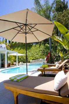 Los Angeles Apartments, Los Angeles Homes, Beverly Hills Hotel, Open Layout, Beach Chairs, Luxury Apartments, Outdoor Pool, Garden Furniture, Tuscany