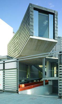 Piscina é o centro de lar espanhol - Casa Vogue | Arquitetura