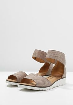 a37c955a5 Gabor Wedge sandals - beige for with free delivery at Zalando
