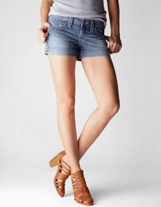 Our signature rolled denim short is effortlessly sexy without being over the top. The relaxed fit is intrinsic to the laidback LA lifestyle we love...