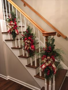 Here are the Christmas Stairs Decoration Ideas. This post about Christmas Stairs Decoration Ideas was posted under the Home Design Christmas Stairs Decorations, Beautiful Christmas Decorations, Christmas Swags, Rustic Christmas, Christmas Home, Holiday Decor, Christmas Staircase Garland, Natural Christmas, Decorating Banisters For Christmas
