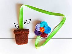 Felt flower ribbon bookmark, school accessory, flower girl gift, back to school gift idea, made to order Corner Bookmarks, Bookmarks Kids, Ribbon Bookmarks, Book Crafts, Felt Crafts, Diy Projects For Kids, Crafts For Kids, Felt Bookmark, School Accessories