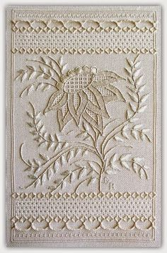 TRUNK: EMBROIDERY WHITE
