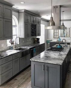 Modern Kitchen Interior Remodeling Awesome Grey Kitchen Ideas With Marble Countertops - From traditional to modern homes, discover the top 50 best grey kitchen ideas. Explore refined interior designs featuring grey cabinets to painted walls. Kitchen Ikea, Home Decor Kitchen, Marble Kitchen Ideas, Kitchen Ideas Color, Apartment Kitchen, Kitchen Layout, Decorating Kitchen, Kitchen Sinks, Kitchen Paint