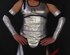 Capitán Phasma inspirado mangas del brazo Gwendolyn Christie, Star Wars Vii, Running Costumes, Cosplay Costumes, Arms, Actresses, Trending Outfits, Arm Sleeves, Clothes