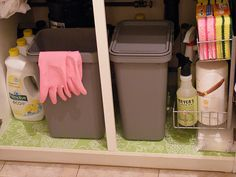 Under sink kitchen organization. I'm so gonna do this cause my kitchen under sink area is nasty!