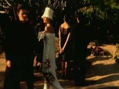 Music video by Duran Duran performing Ordinary World (2003 Digital Remaster).