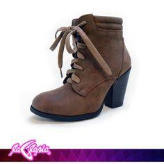 ¡Atención fanáticas de la belleza y #moda! Llegaron los nuevos #estilos en #botines …encuéntralos en 1er.Piso #Calzado