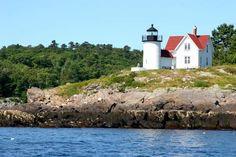 Great view of the Curtis Island lighthouse, in Camden Harbor, from the Schooner Olad Vacation Destinations, Vacations, Places To Travel, Places To See, Camden Maine, Maine New England, Fresh Lobster, Maine Lighthouses, Need A Vacation