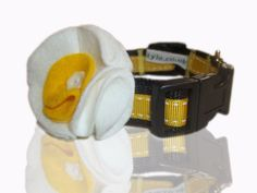 Daisy Doo Yellow Daffodil Daisy Collar With Flower From Pet Names, Stitch Design, Pet Accessories, Daffodils, Spring 2014, Grosgrain Ribbon, Den, Your Pet, Classic Style